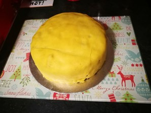 Marzipan on Christmas cake