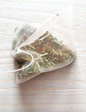 Lemon and honey rooibos teabag